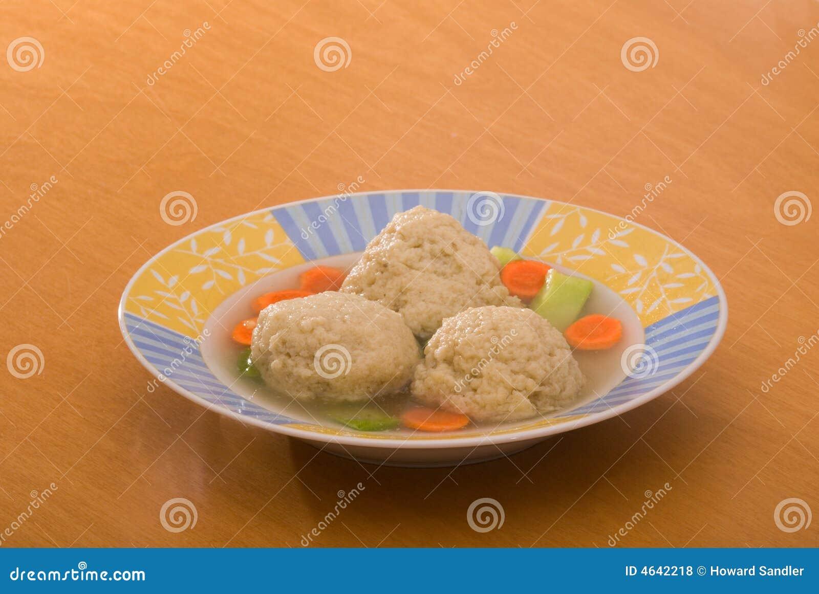 Sopa da esfera do Matzoh