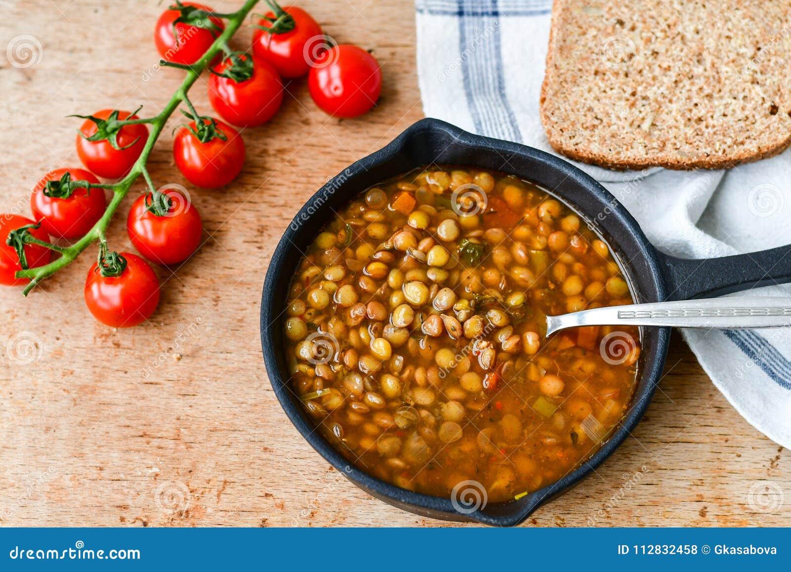 Sopa de lenteja hecha en casa de Brown