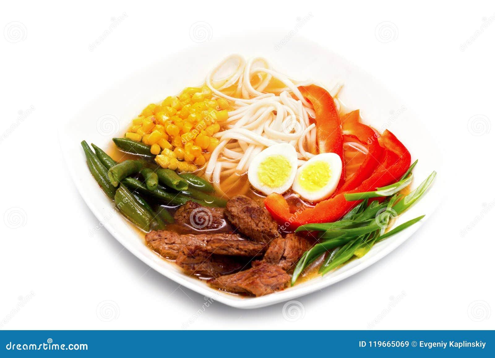 Sopa de los Ramen con la ternera Sopa japonesa muy rica e increíblemente sabrosa