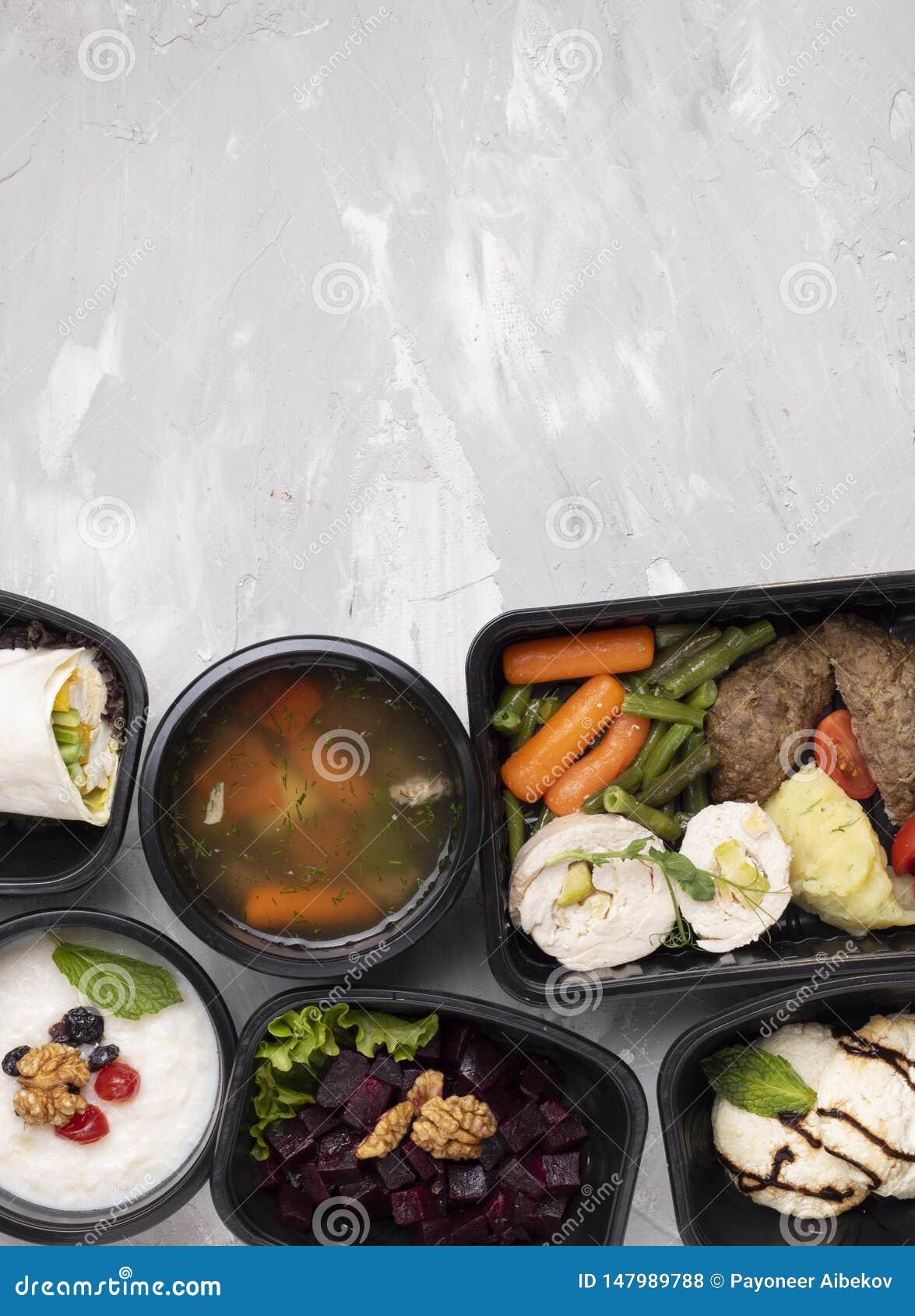 Sopa de Pho BO e costoletas, vegetais fervidos, carne cozinhada, refeição do asin