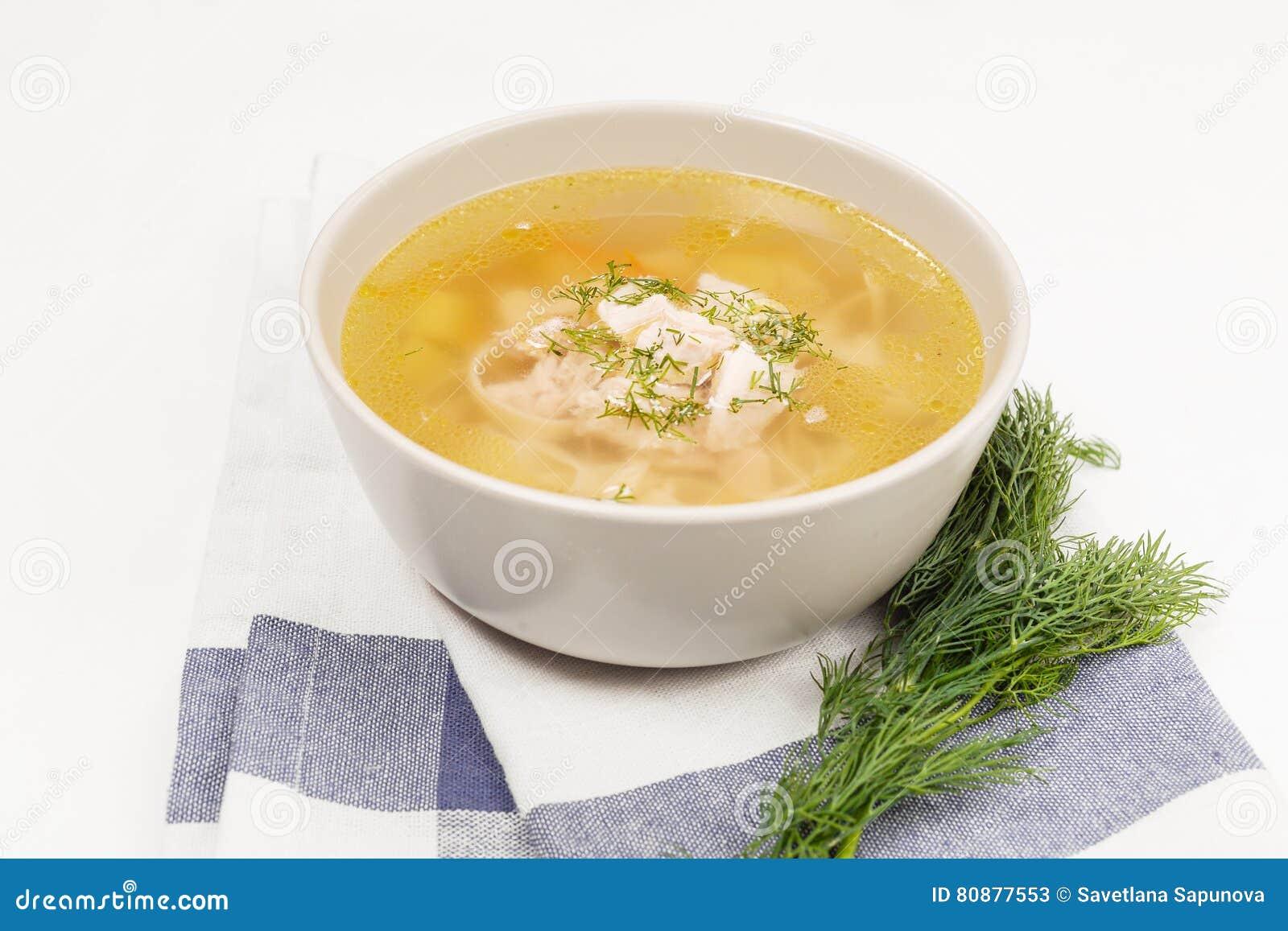 Sopa de pollo en blanco