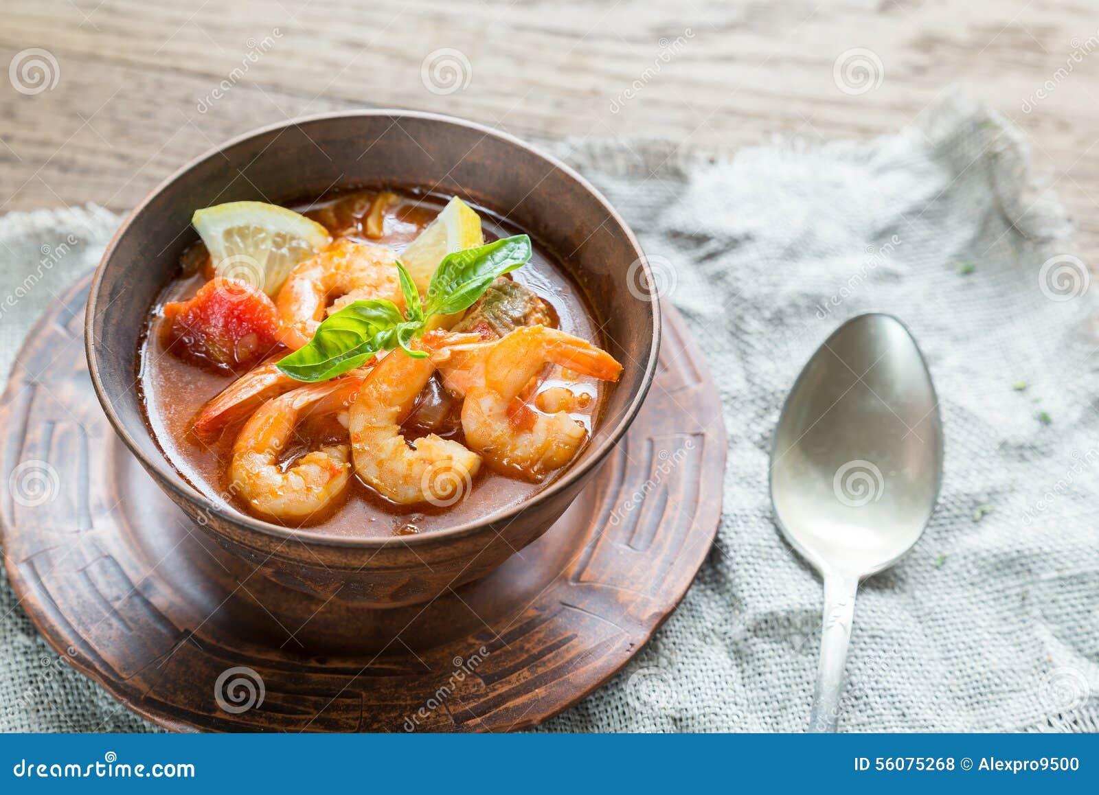 Sopa francesa picante con los mariscos foto de archivo Tapas francesas