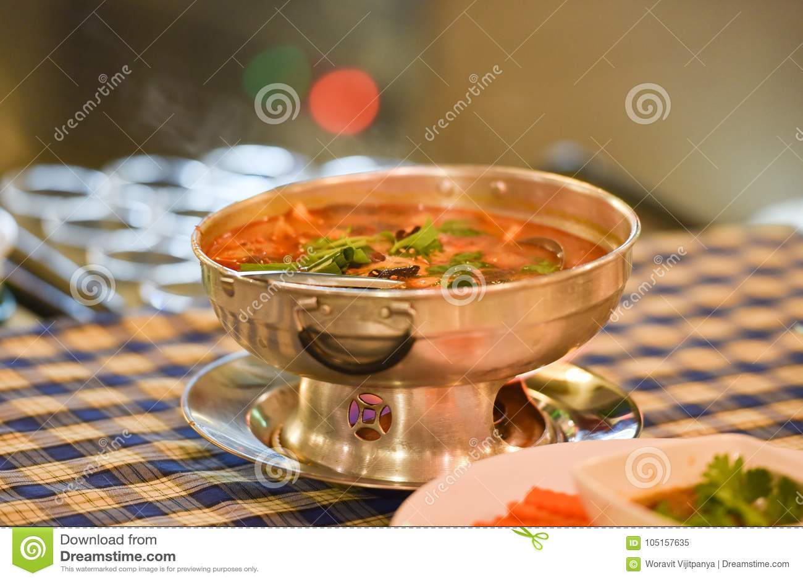 Sopa picante do potenciômetro quente