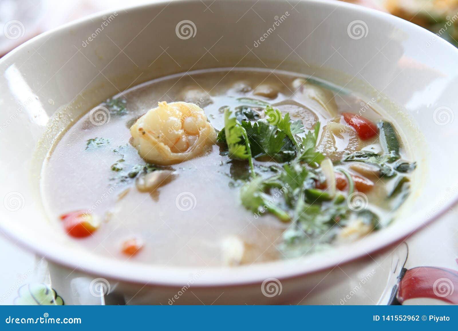 Sopa picante tradicional tailandesa do camarão, kung de Tom yum