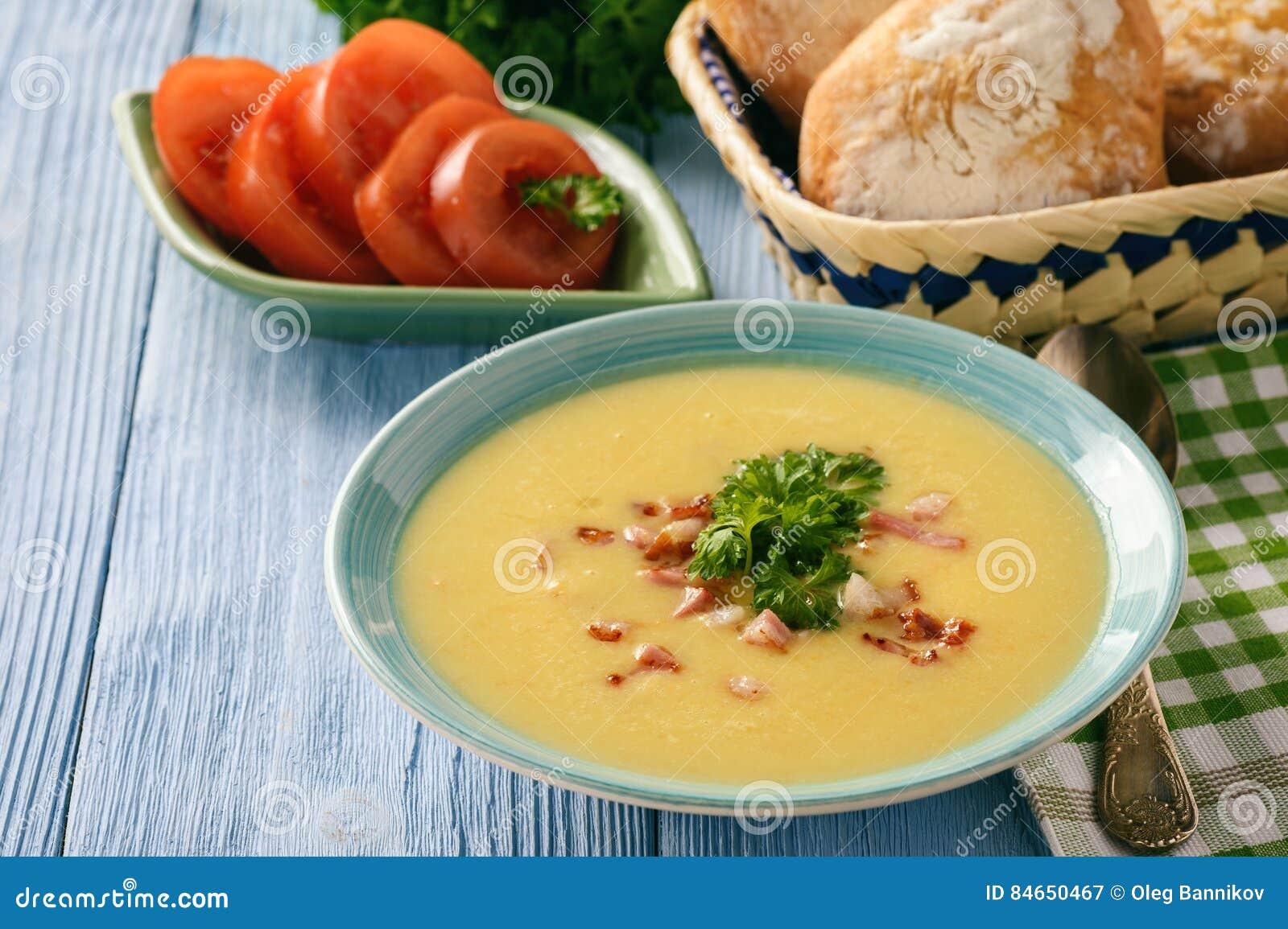 Patata Porner sopa poner crema de la patata con queso y tocino imagen de