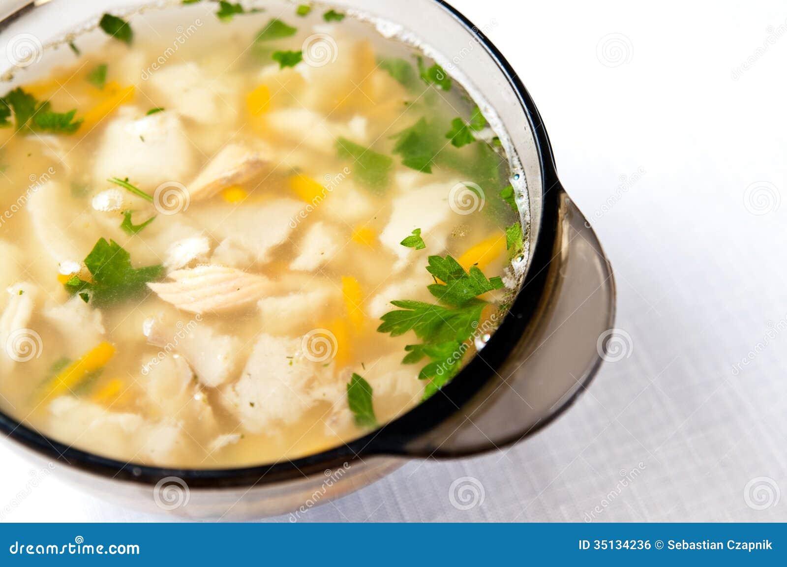 Sopa quente dos peixes