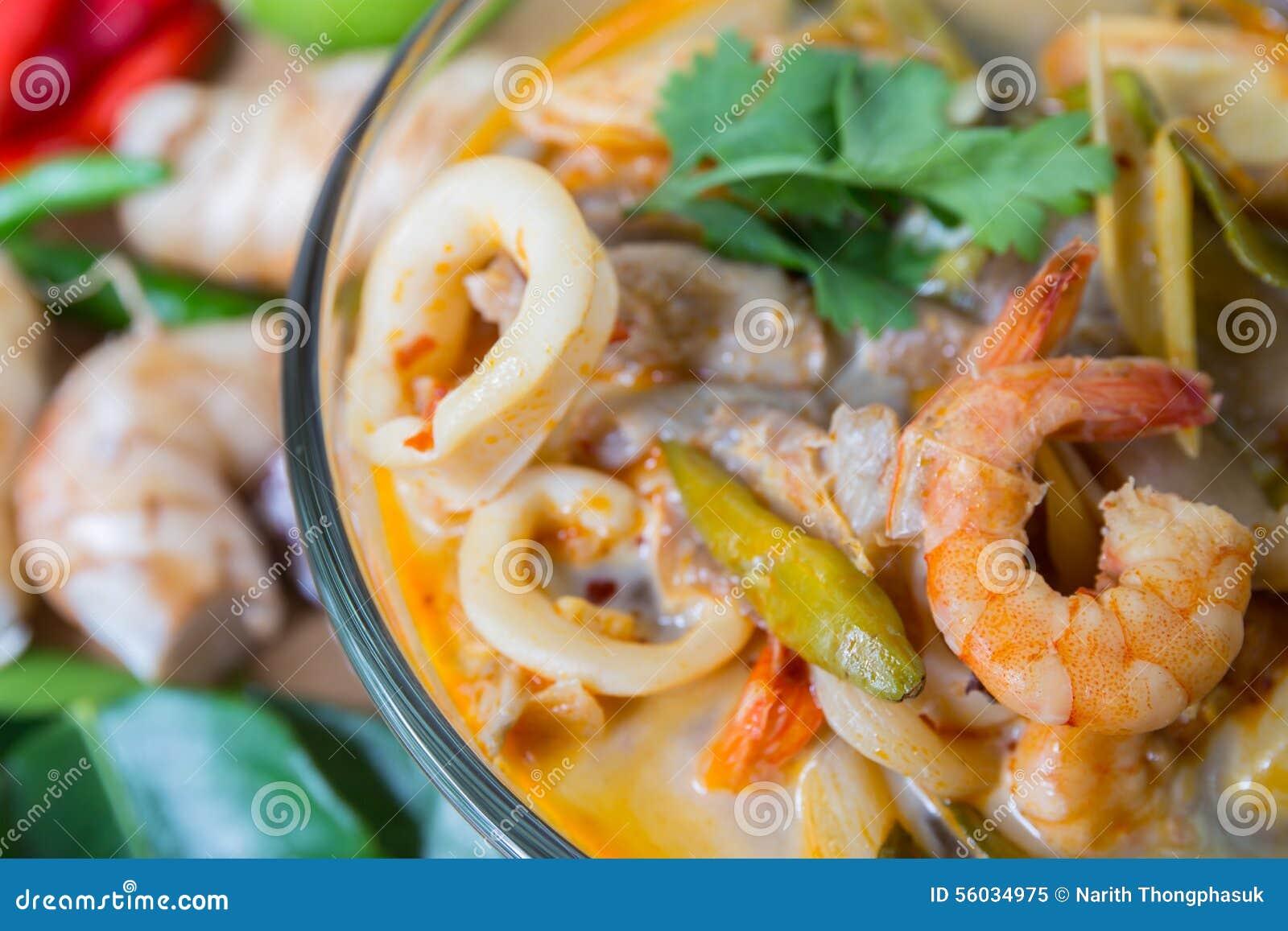 Sopa tailandesa de la especia de Tom yum, comida tailandesa