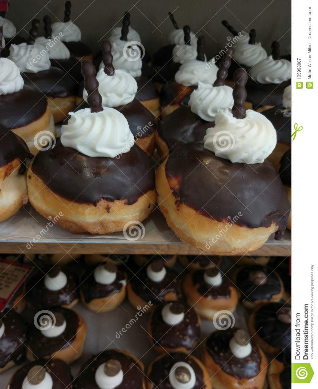 Sophisticated `sofgoniot`, donuts for the Jewish festival of Han