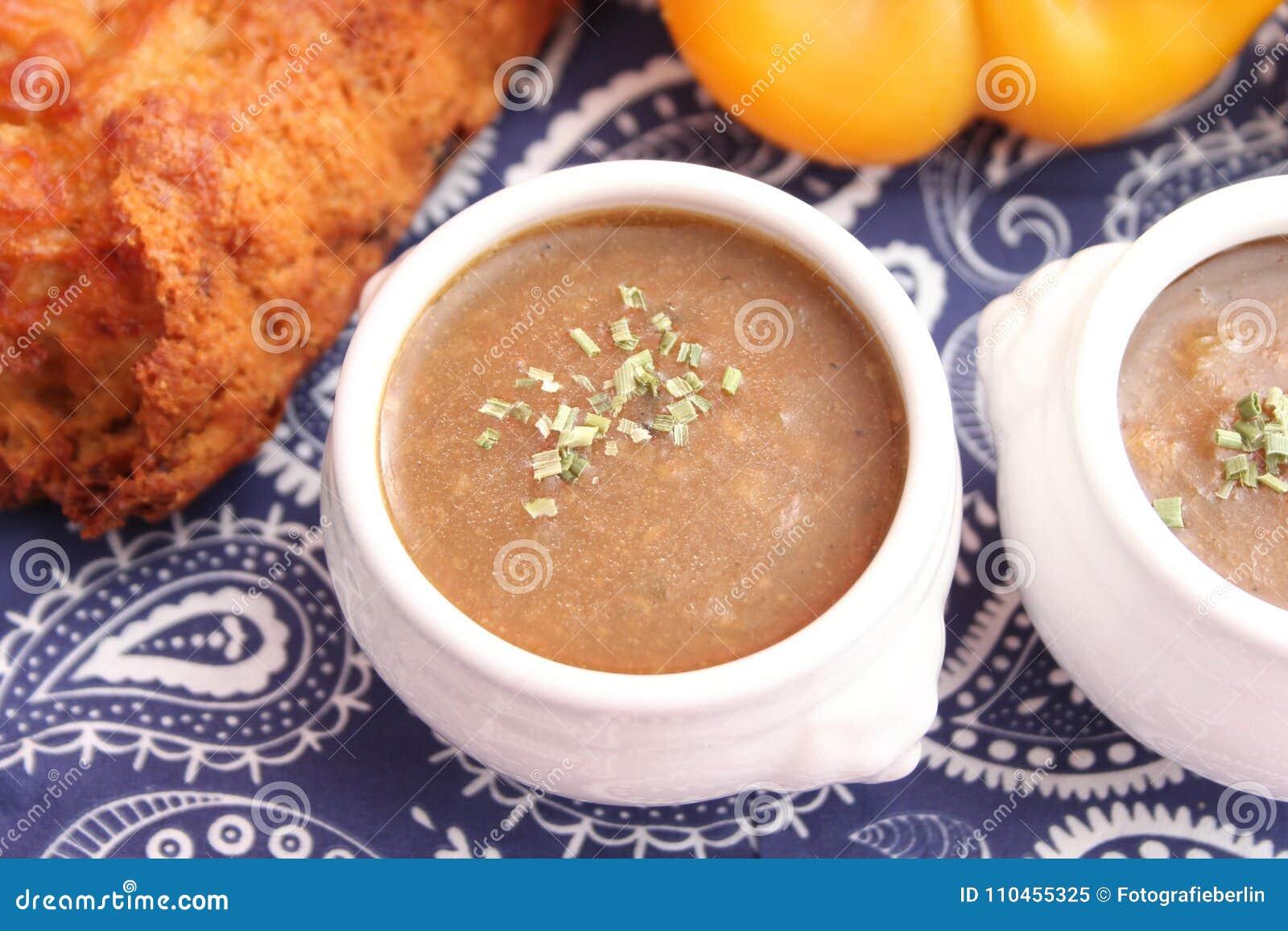 Soppa av lökar
