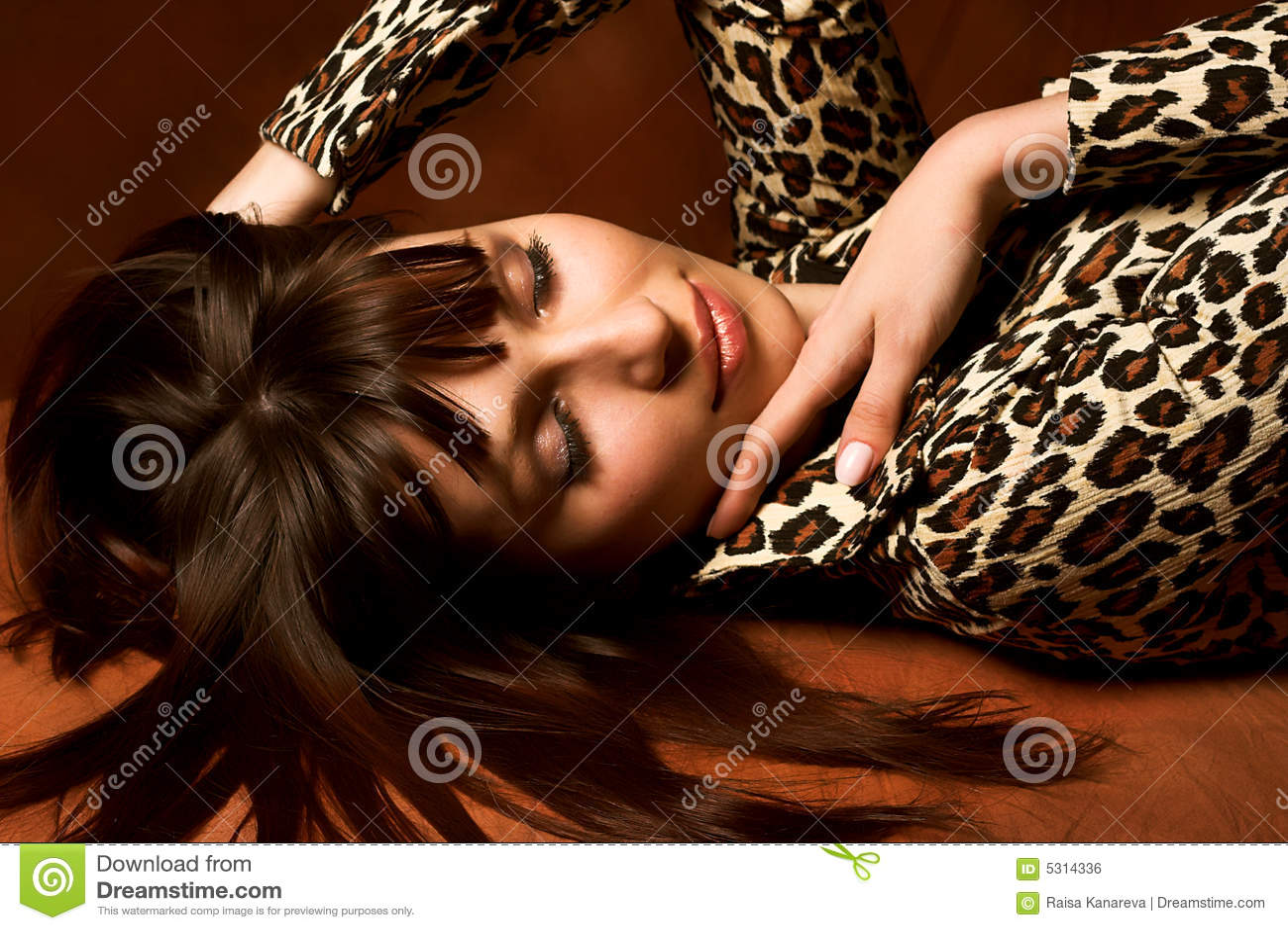 Download Sorridere Grazioso Della Donna Fotografia Stock - Immagine di abbastanza, babe: 5314336