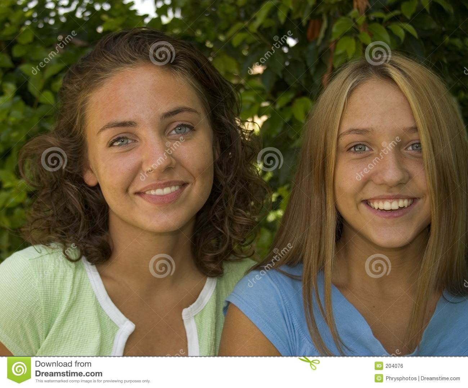 Sorriso bonito das faces