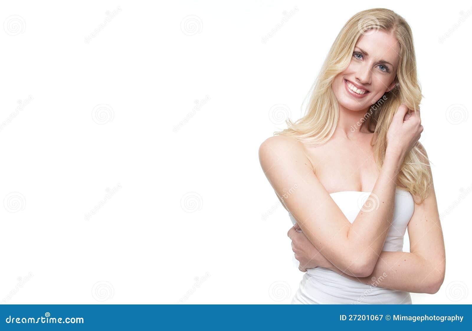 Sorriso louro bonito da menina