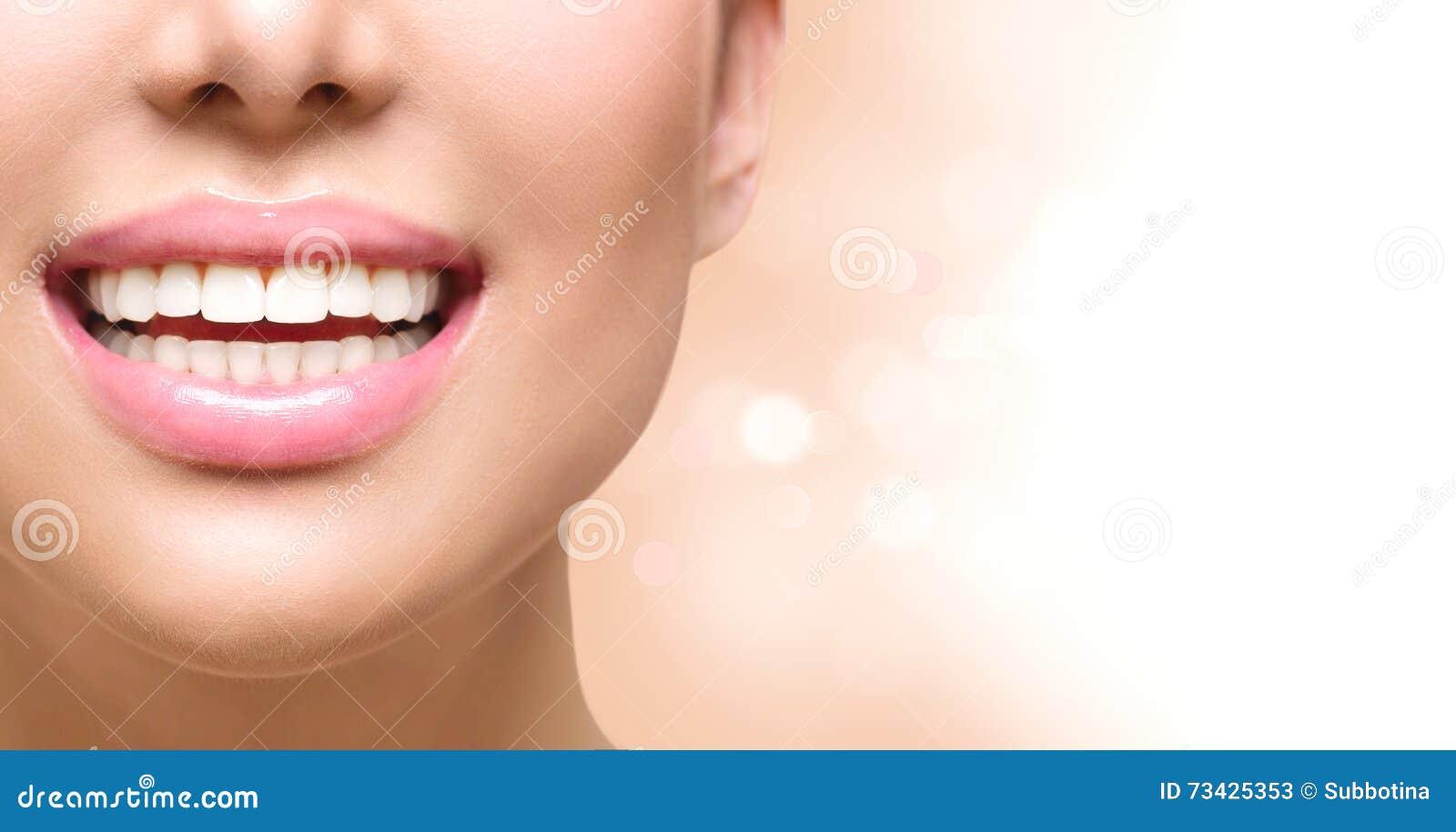 Sorriso saudável Dentes que whitening Cuidado dental