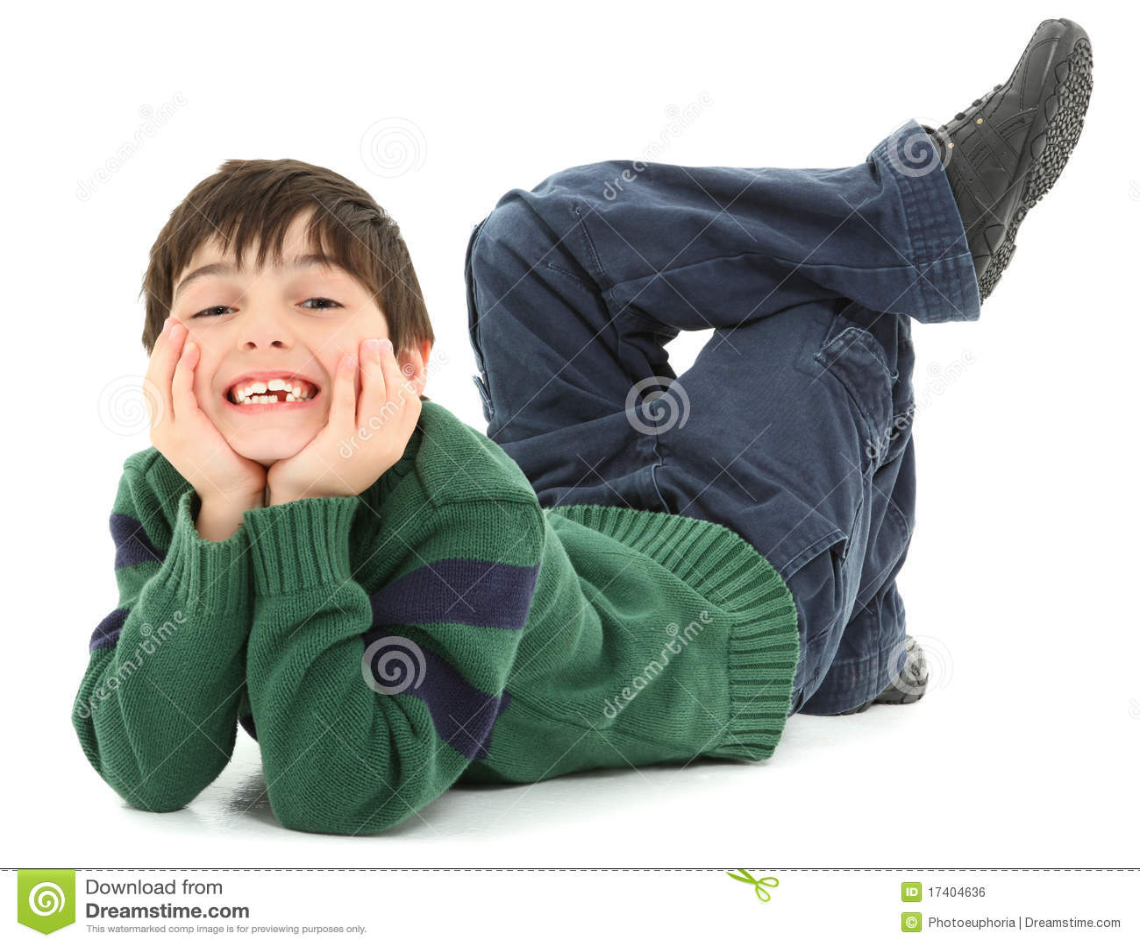 Sorriso torcido curvado da criança