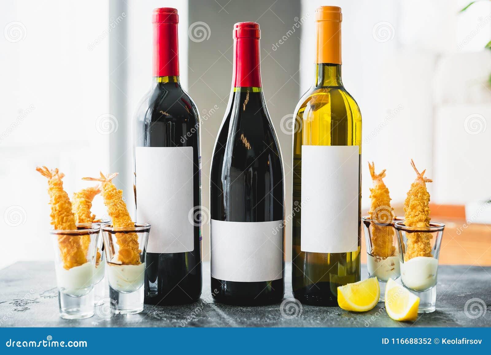 Sortierte Weingetränke In Den Flaschen Alkoholische Getränke In Der ...