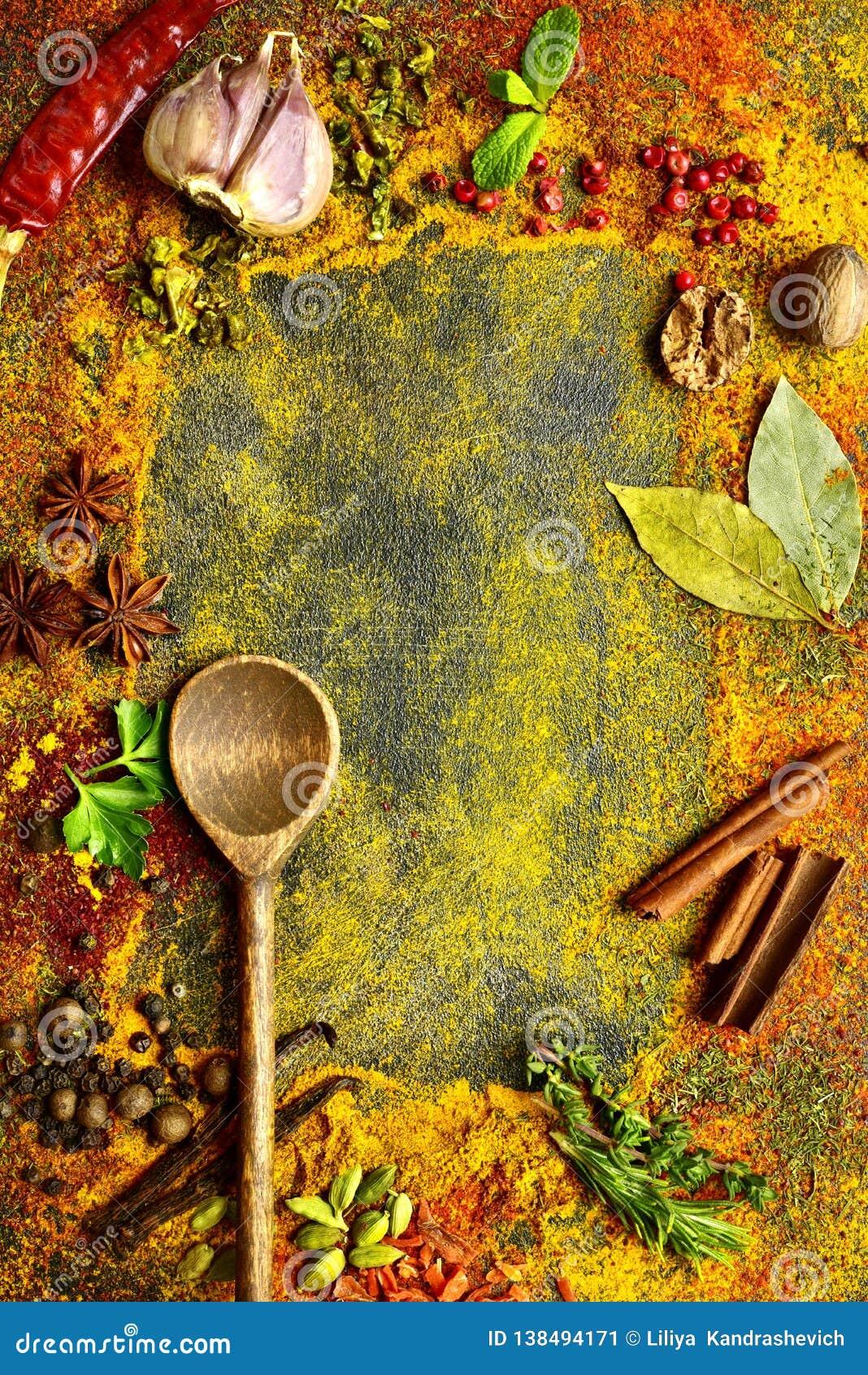 Sortiment av naturliga kryddor Bästa sikt med kopieringsutrymme