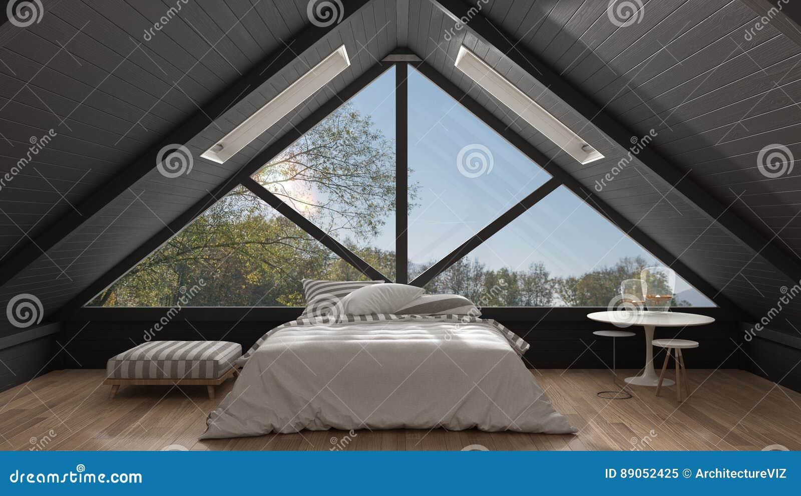Sottotetto classico del mezzanino con la grande finestra panoramica, camera da letto, summe