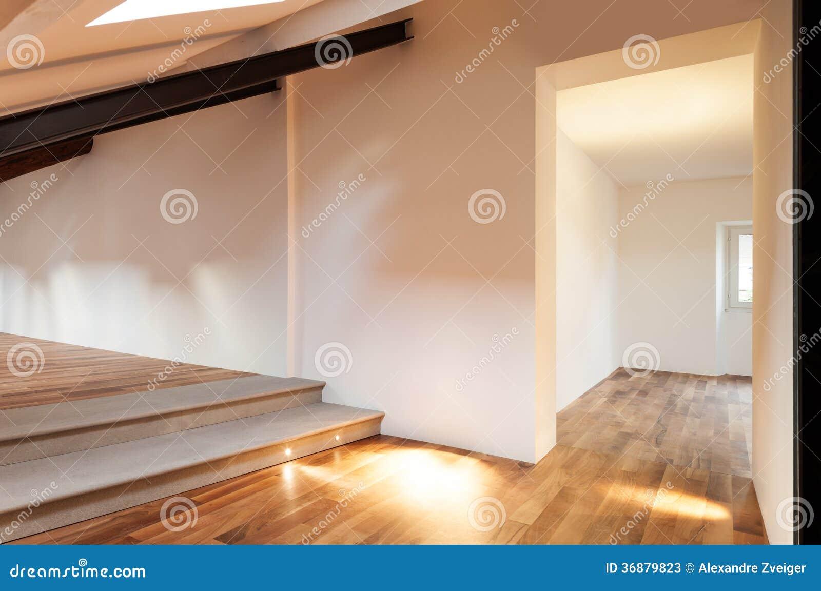 Download Sottotetto Piacevole Interno Immagine Stock - Immagine di wooden, aperto: 36879823