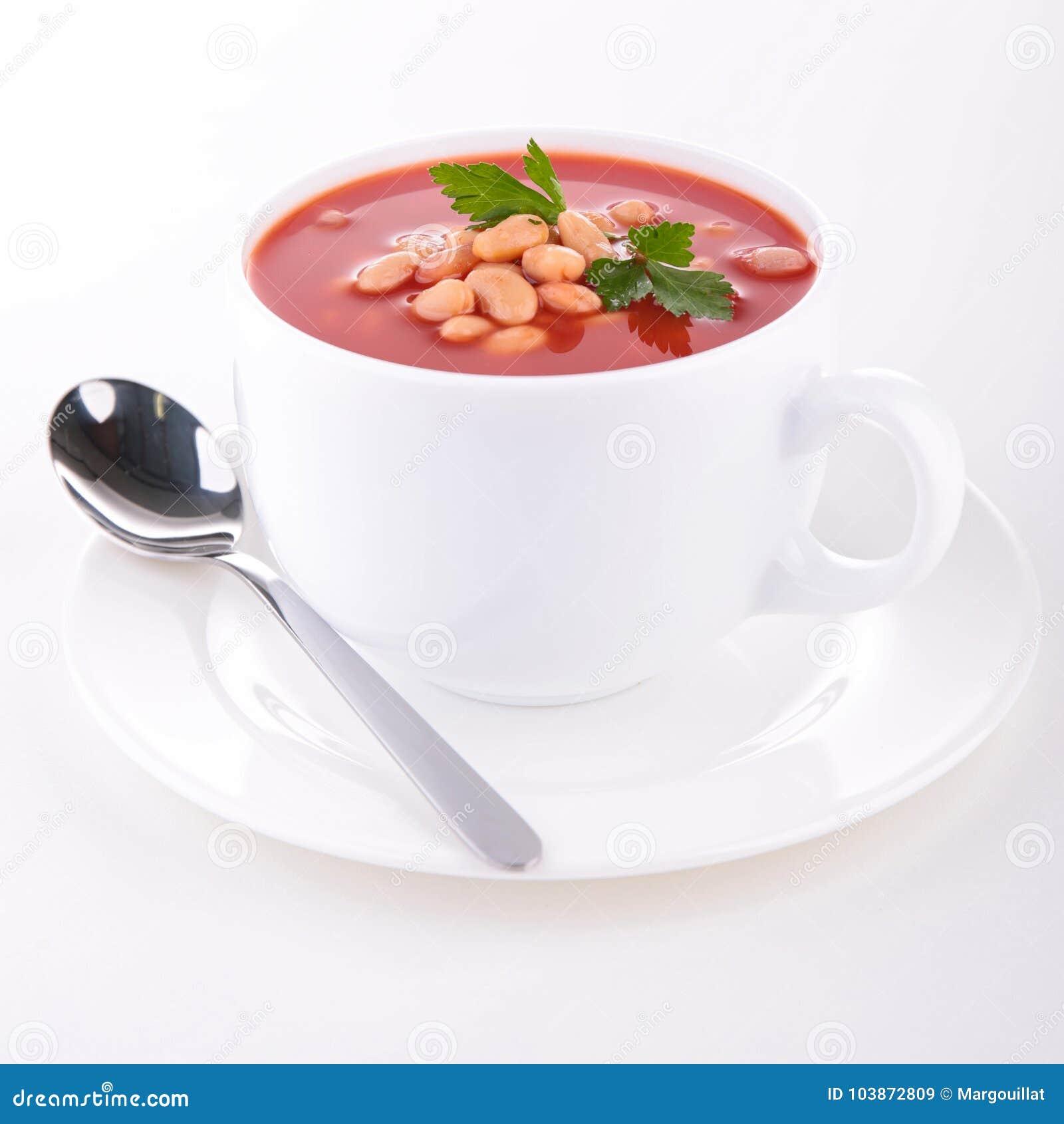 Soupe à haricot et à tomate