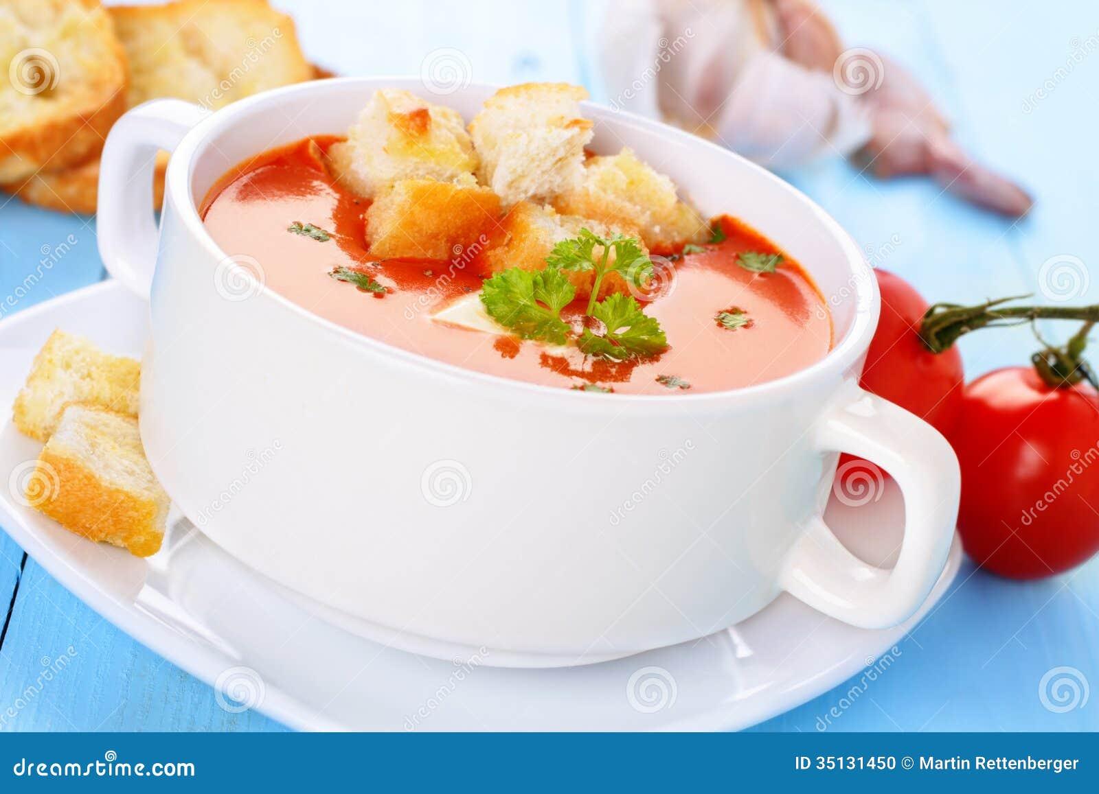 Soupe tomate avec des cro tons photo stock image 35131450 - Soupe de tomate maison ...