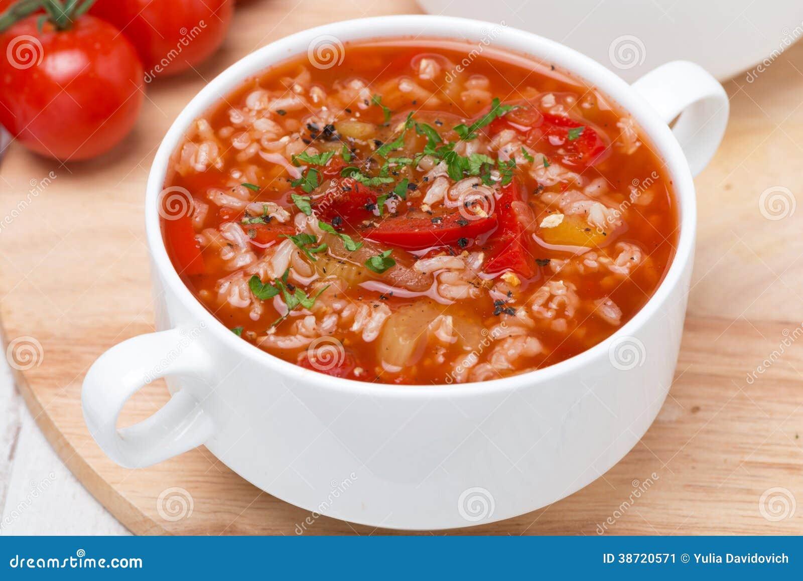 Soupe tomate avec du riz des l gumes et des herbes image stock image 38720571 - Absorber l humidite avec du riz ...