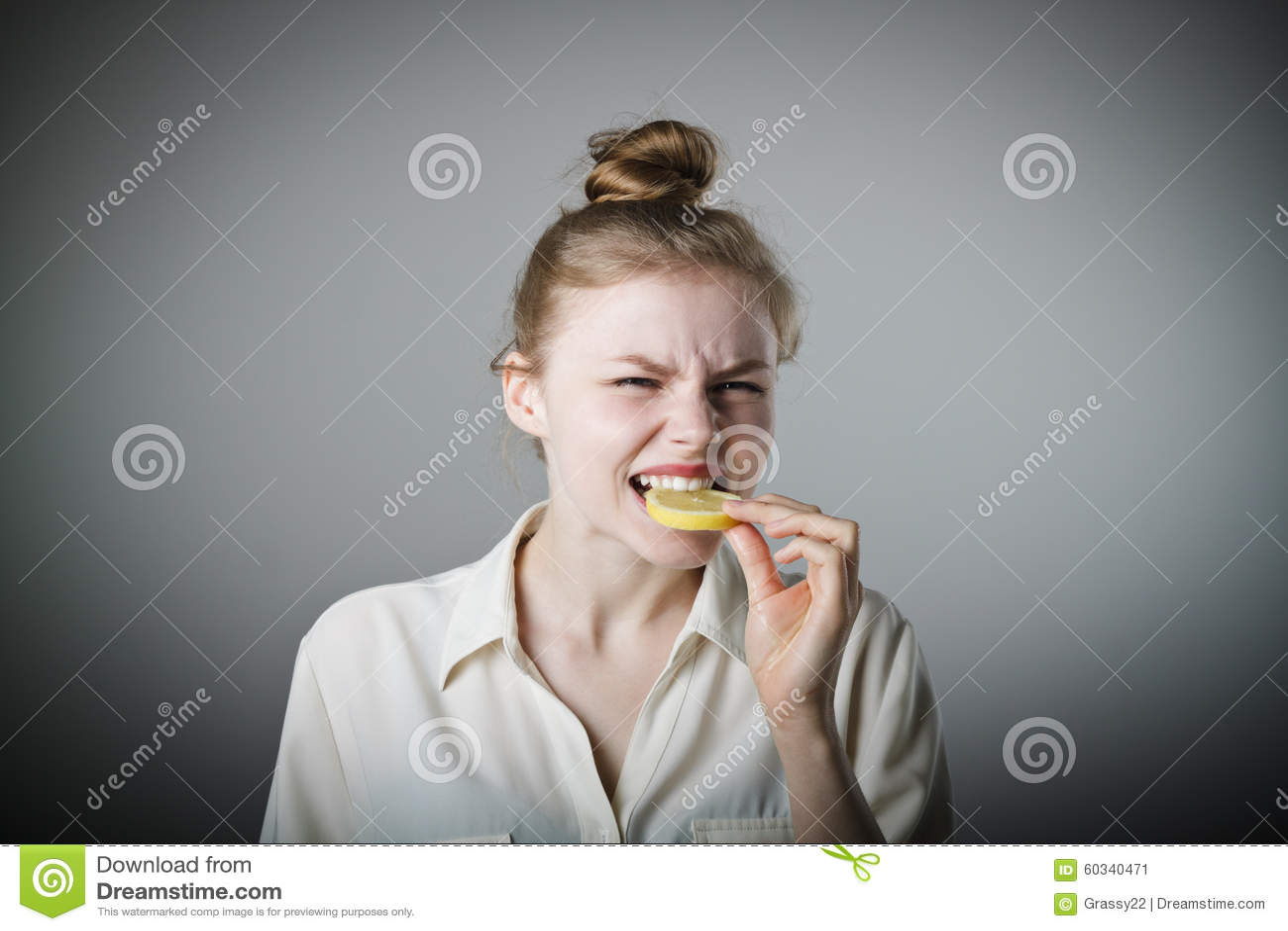 Sour vaginal taste