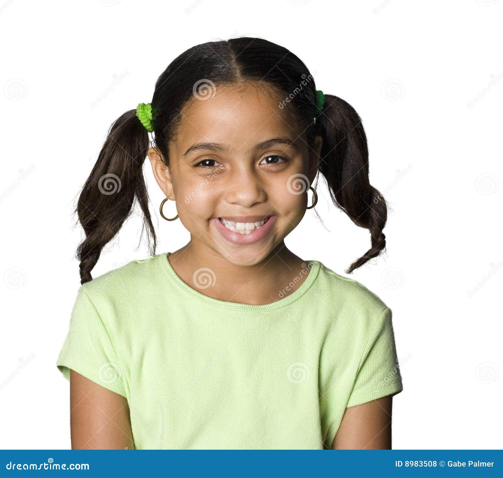 Sourire de latino de fille