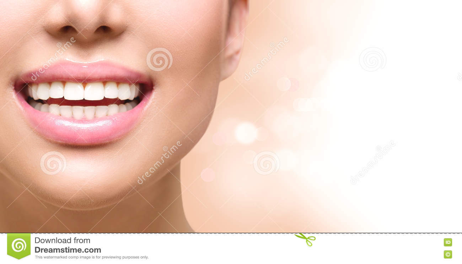 Sourire sain Dents blanchissant Soin dentaire