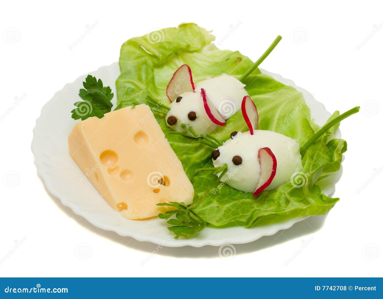Souris drôle deux de nourriture de fromage