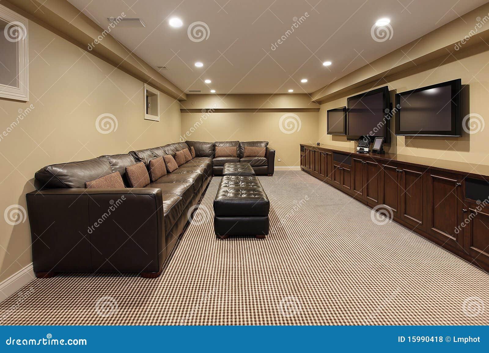 sous sol de maison de luxe photos libres de droits image 15990418. Black Bedroom Furniture Sets. Home Design Ideas