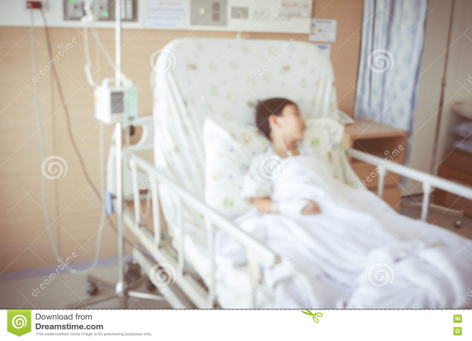 Soustrayez le fond brouill de l 39 enfant admis la chambre for La chambre 13 hopital