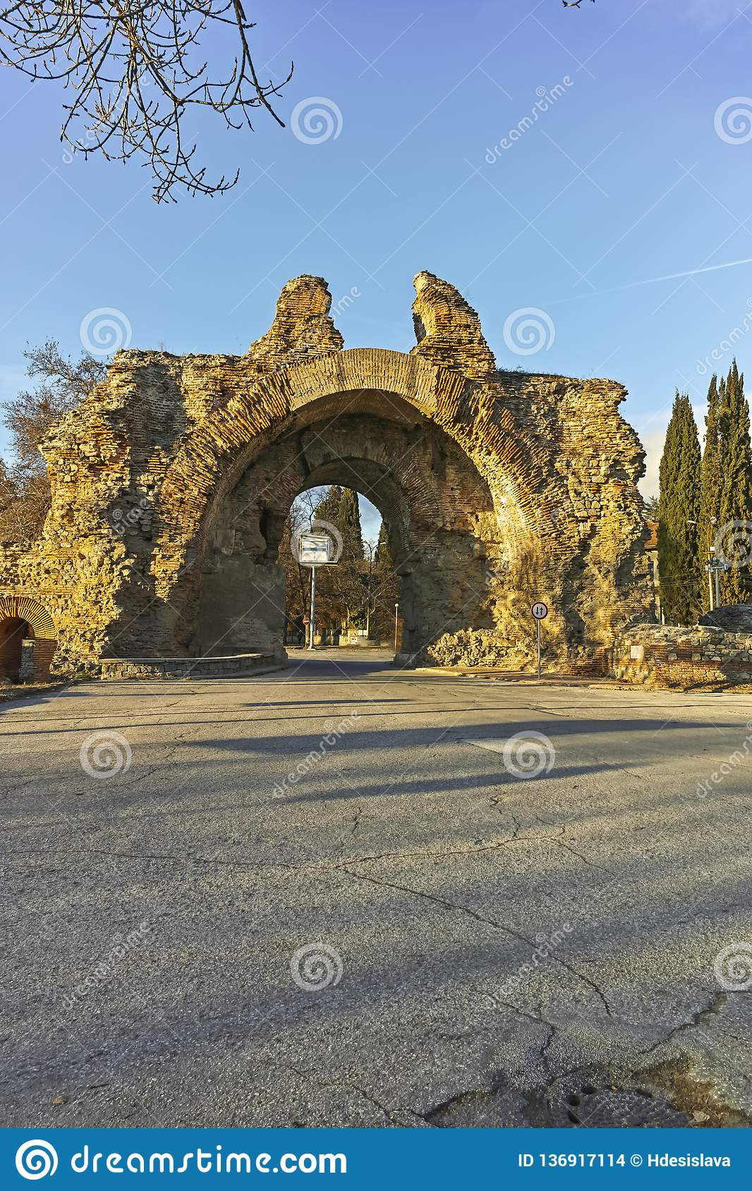 City Of South Gate >> The South Gate The Camels At Roman Fortifications In