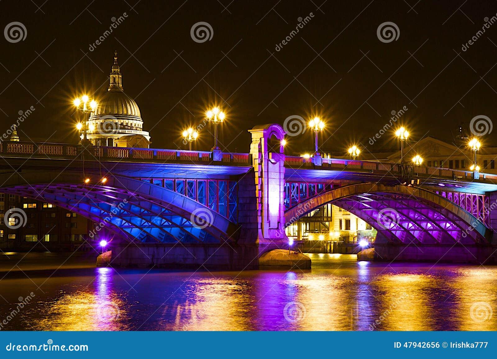 london bridge christmas engineering