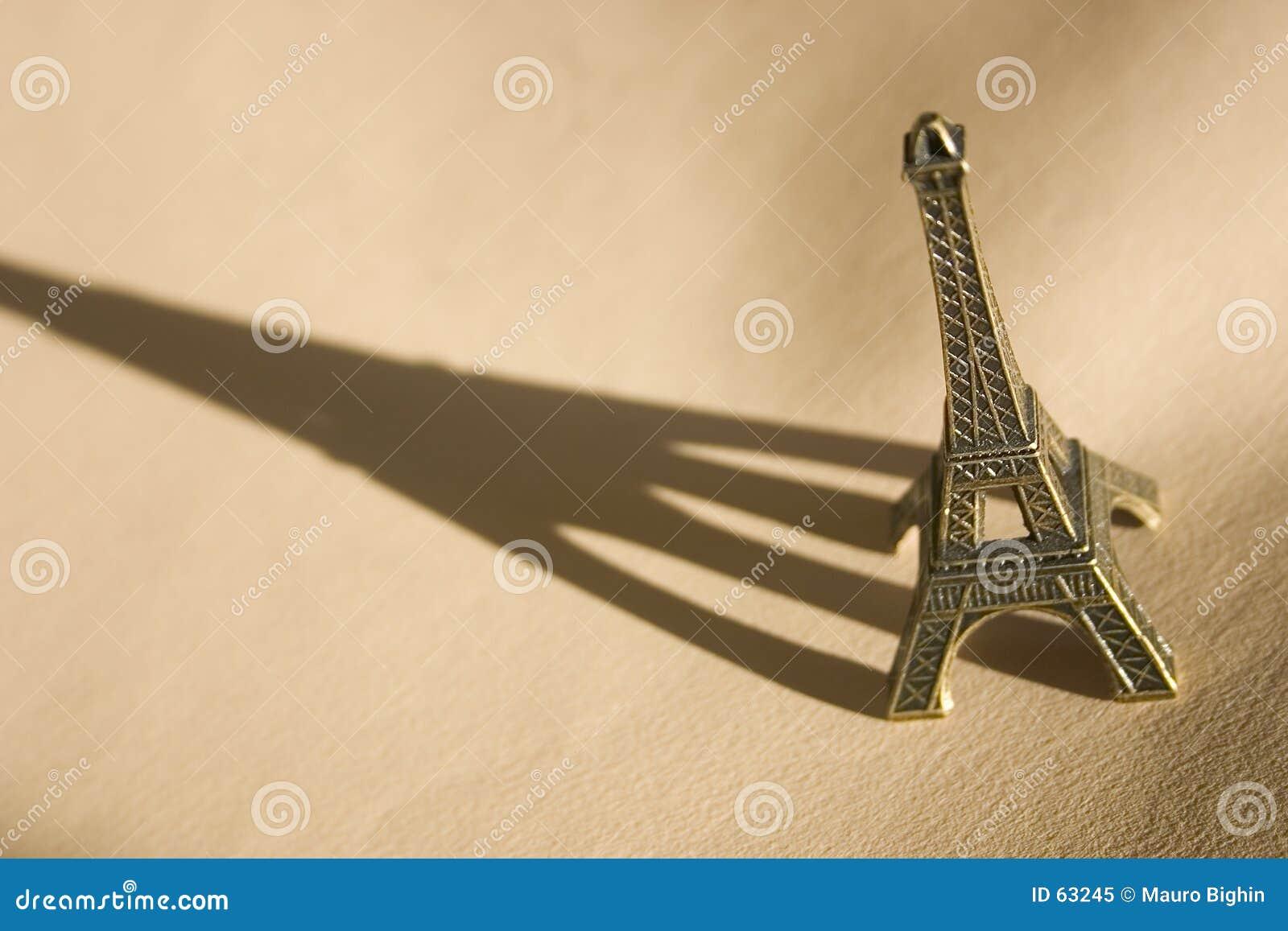 Download Souvenir de Tour Eiffel image stock. Image du course, voyages - 63245