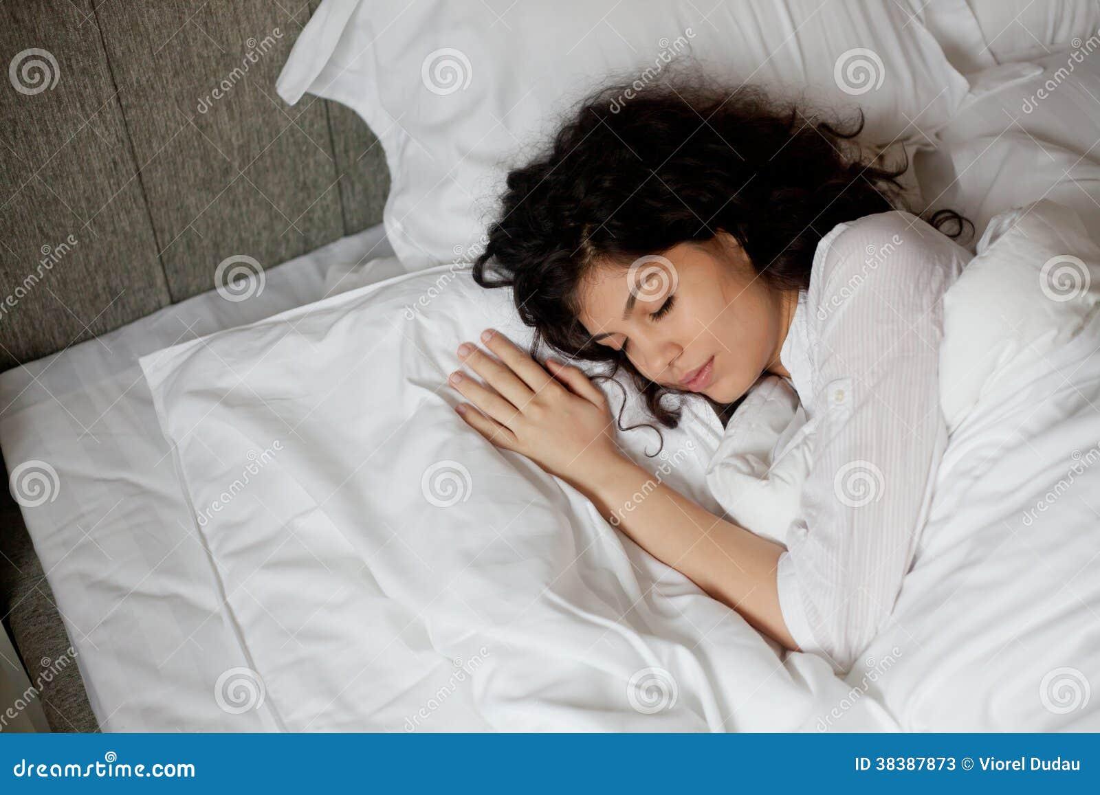 Sova kvinnan
