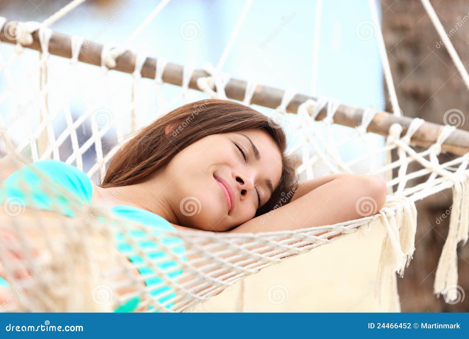 Sova semesterkvinna för hängmatta
