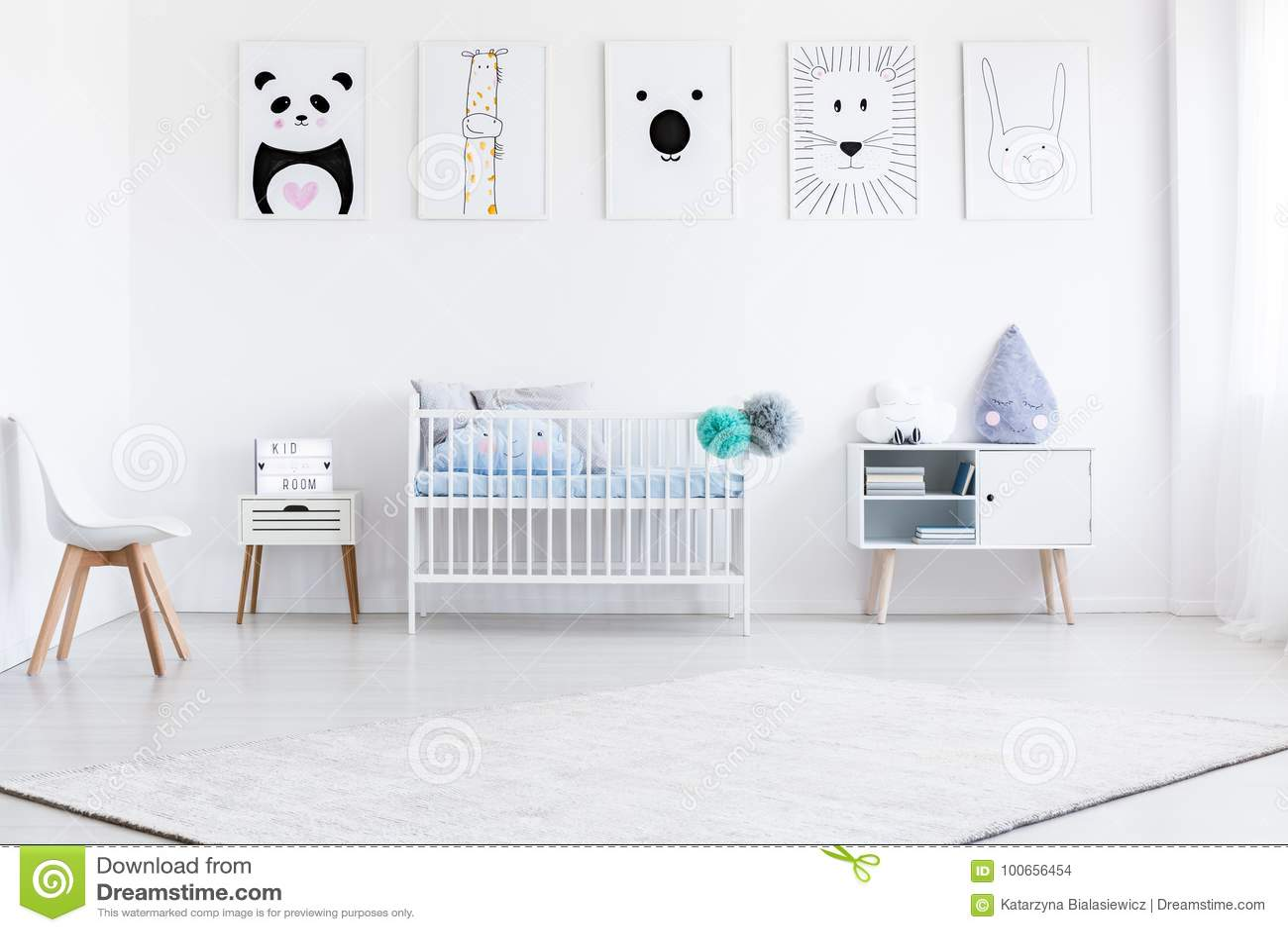 Sovrum för pojke` s med gallerit