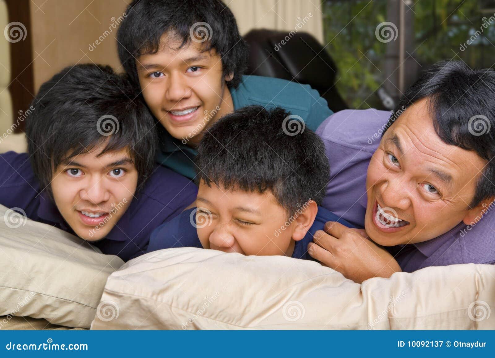 Sovrumfadergyckel som har sons