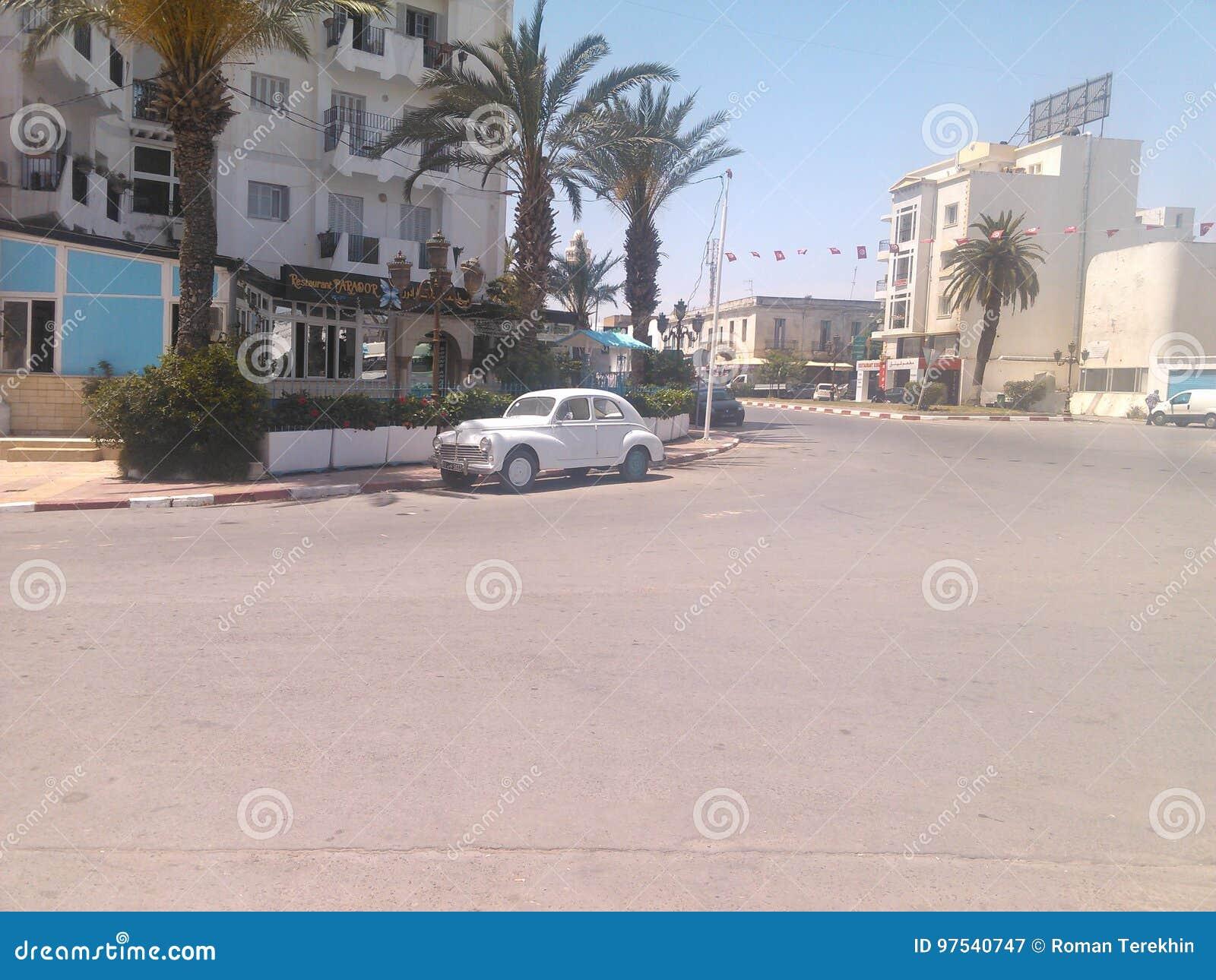 Sowjetisches Auto in Tunesien