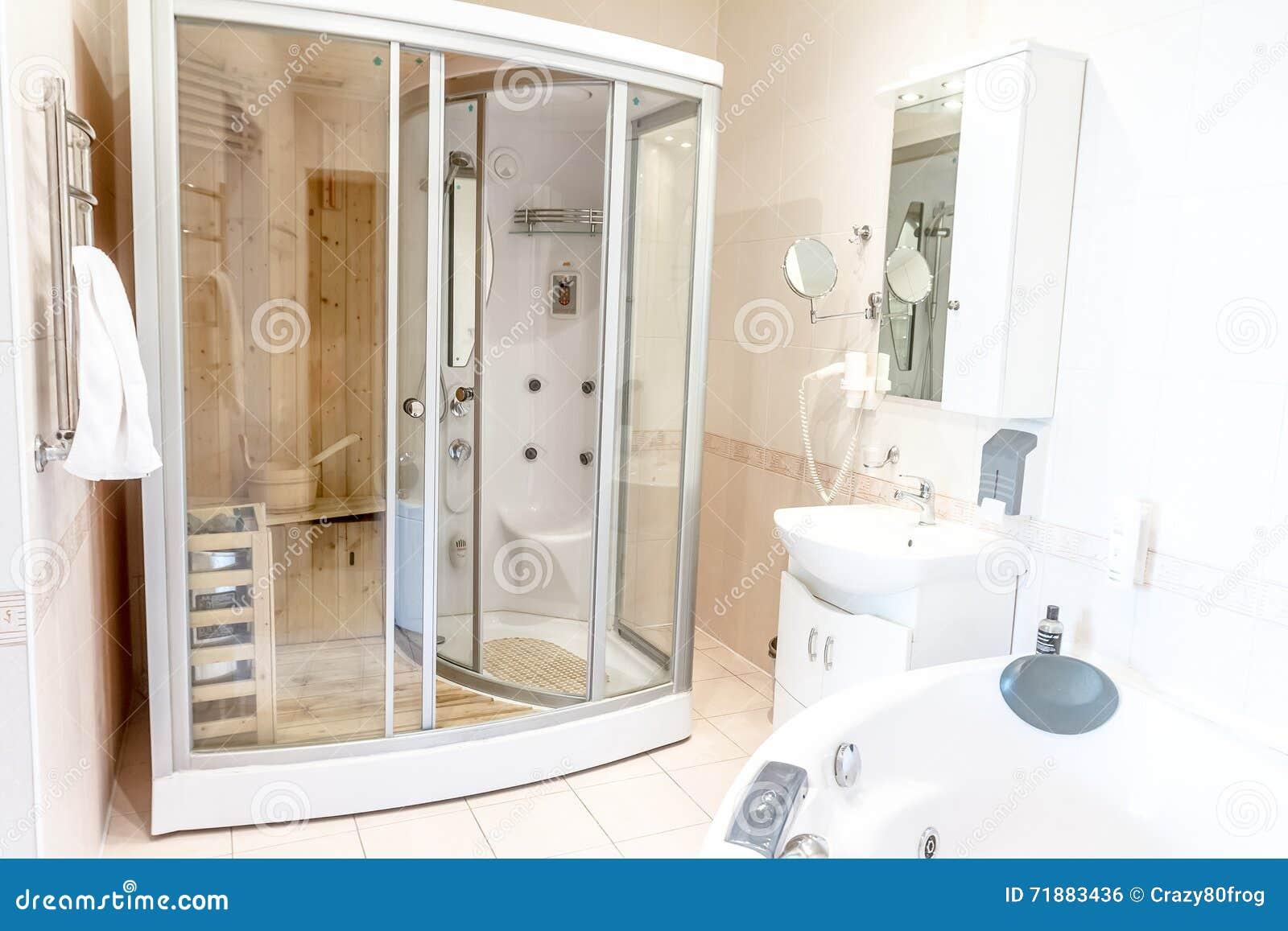 Spa Bastukabin I Badrum, Hus Eller Hotell Arkivfoto - Bild: 71883436 : spa badrum : Badrum
