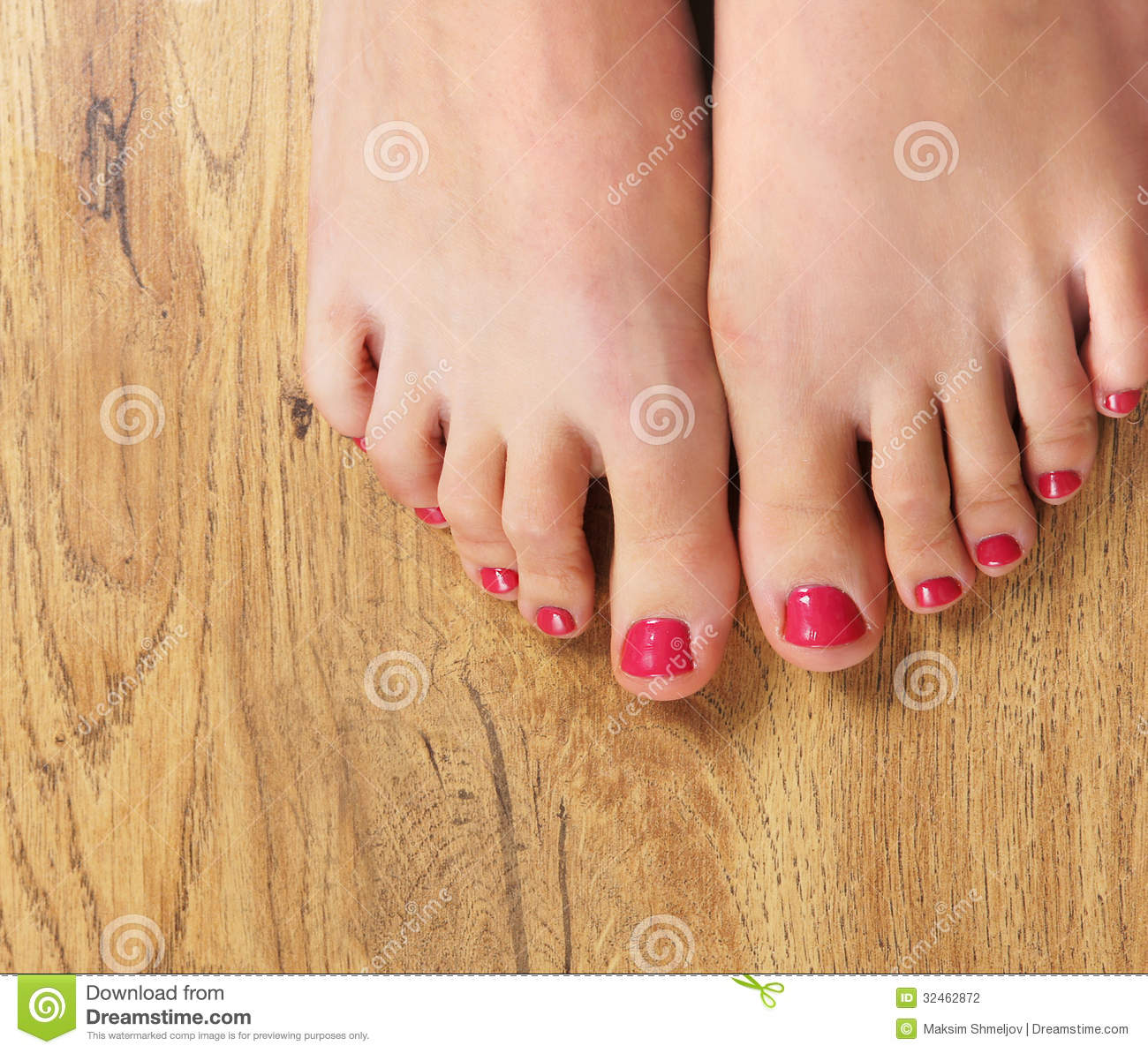 Toe Nail Salon Game For Fashion Girls Foot Nail Makeover: Spa Image Of Beautiful Female Feet With Nail Polish Stock