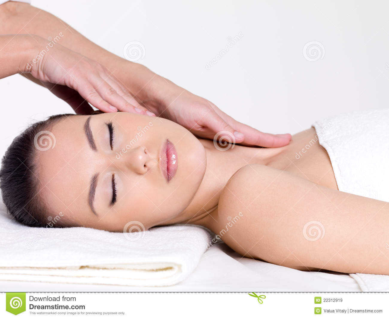 Spa massage of the face and neck