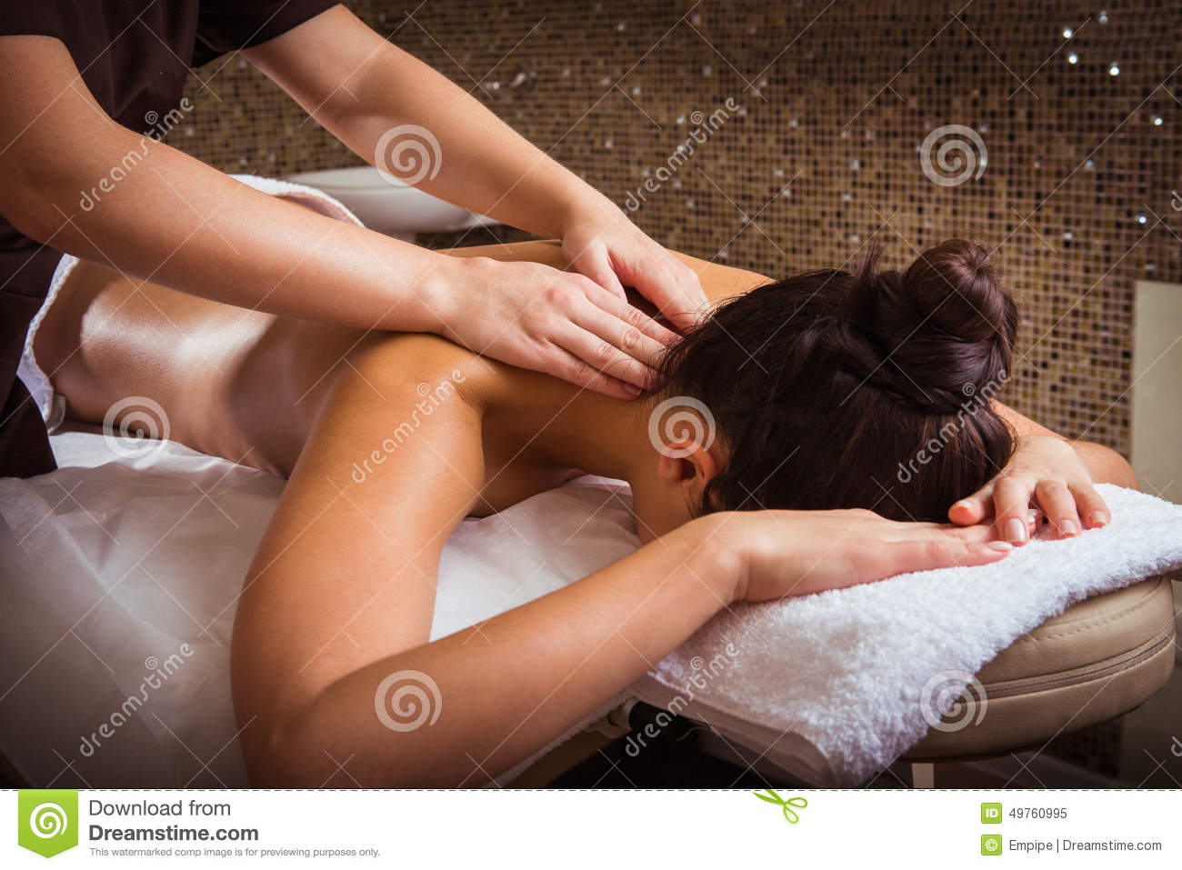 women spa massage Cairns