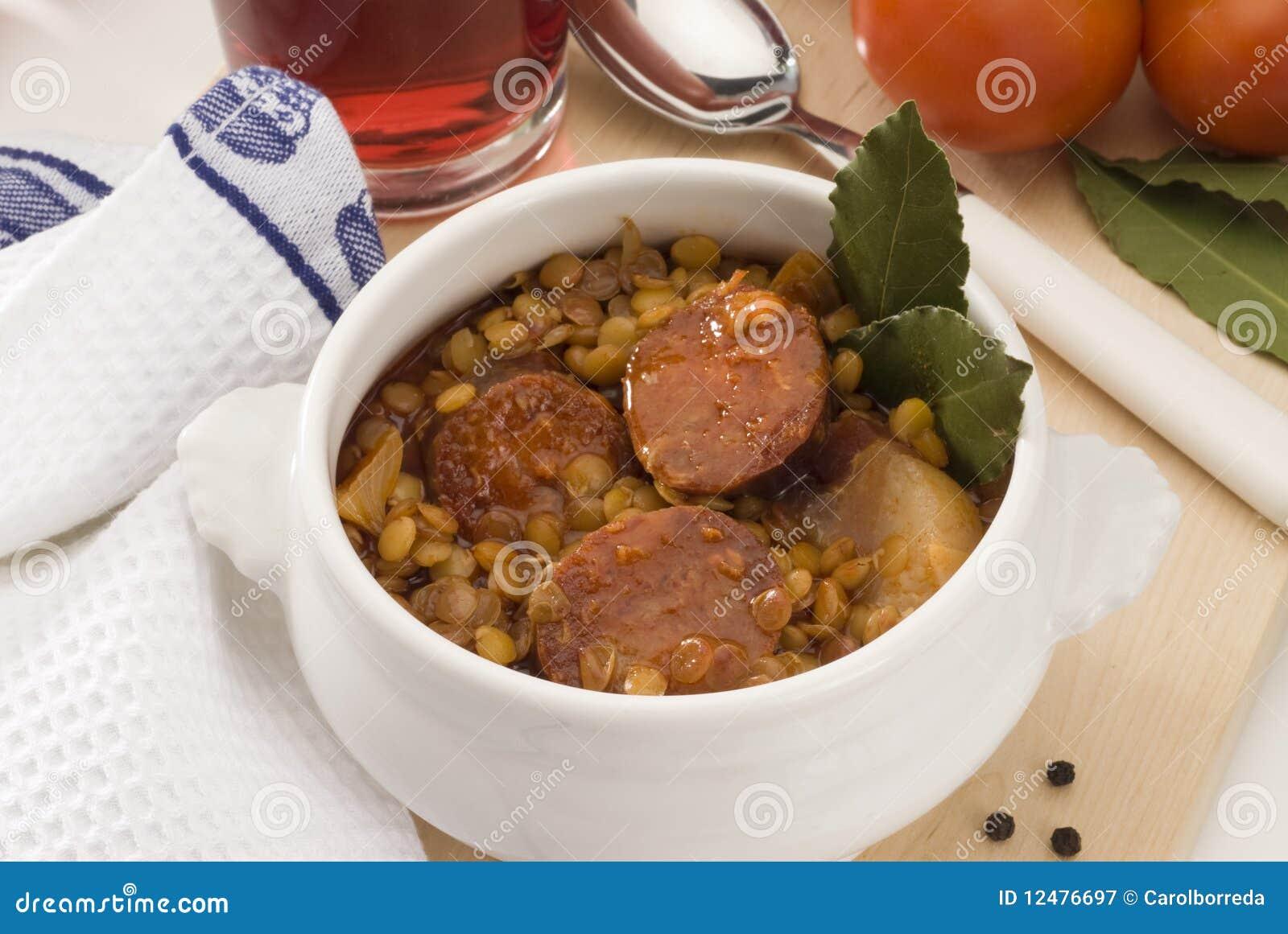 Spaanse keuken linzen met rode worst royalty vrije stock fotografie beeld 12476697 - Keuken met rode baksteen ...