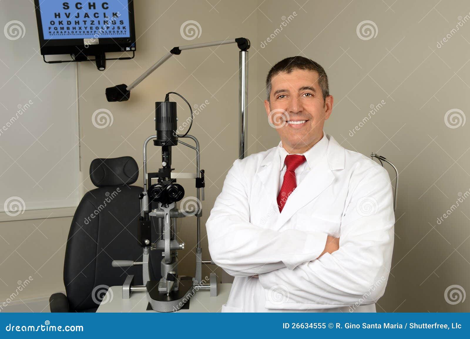Spaanse opticien in de zaal van het onderzoek royalty vrije stock foto afbeelding 26634555 - Versiering van de zaal van het tienermeisje van ...