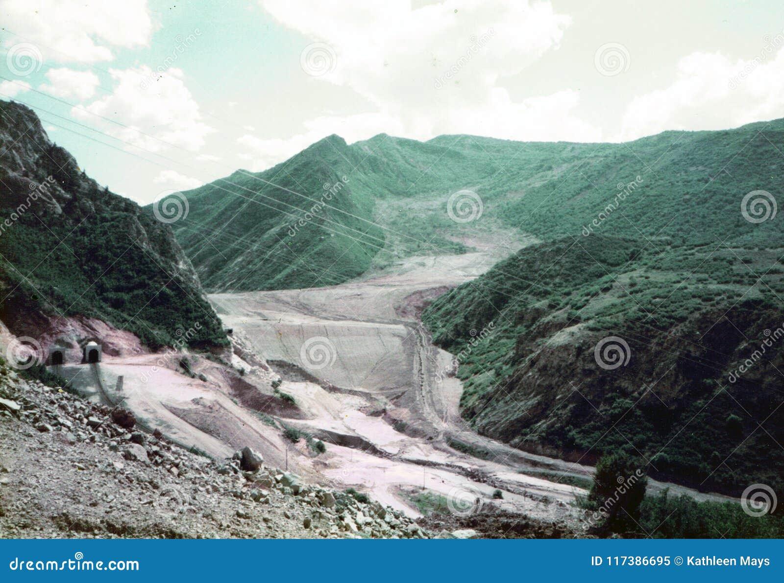 Spaanse Vorkcanion, Utah/de V.S. - 4 Augustus 1984: Één Jaar en Vier Maanden na April 1983 Mudslide begonnen bewegend,