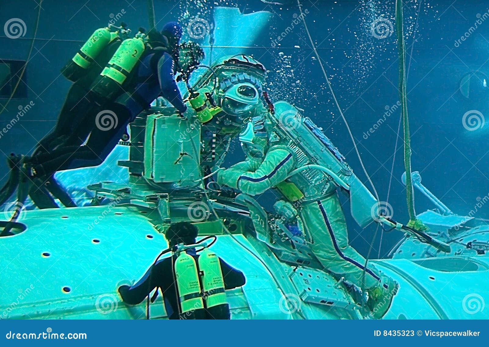 Spacewalk Training in the Hydrolab Pool