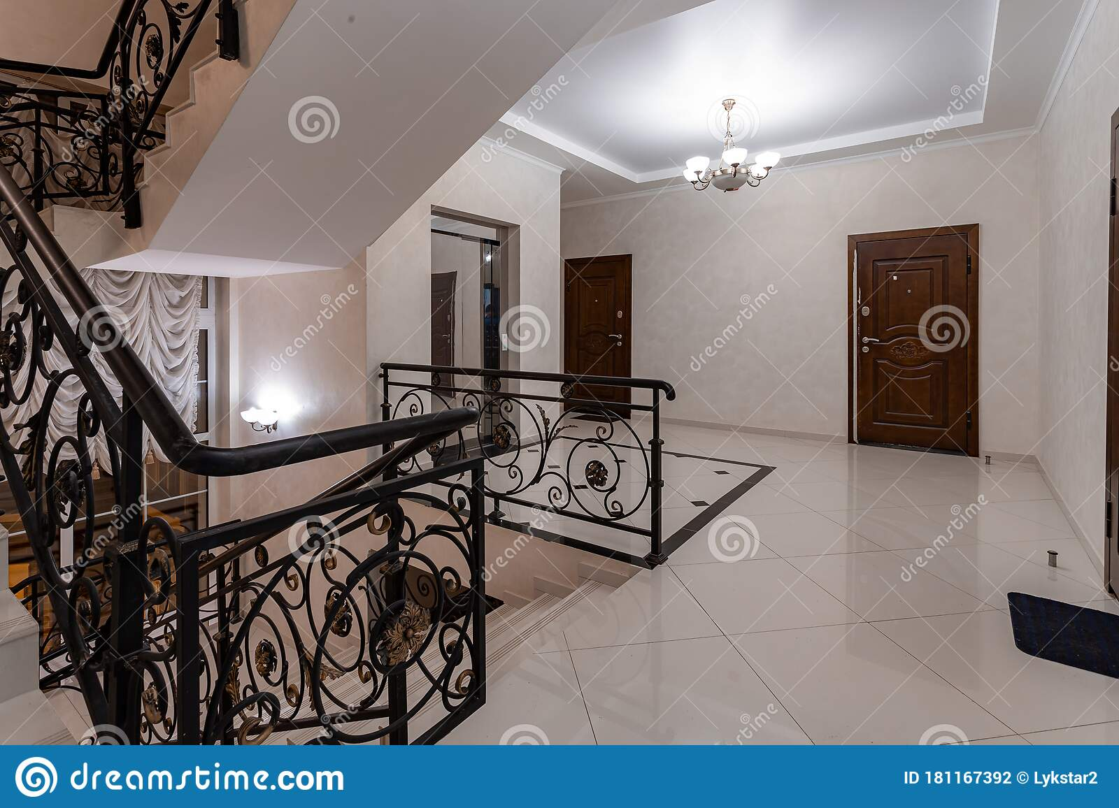 Spacious Entrance Hall With Light Walls And Marble Floor Front Entrance Foyer Entrance Hall Stock Photo Image Of Background Design 181167392