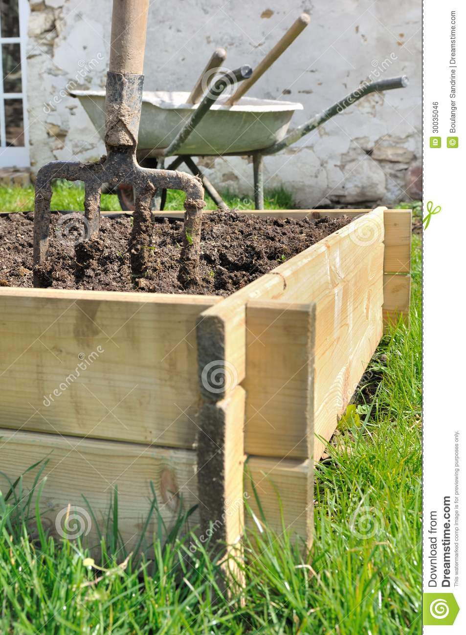 how to make wooden planters for vegetables