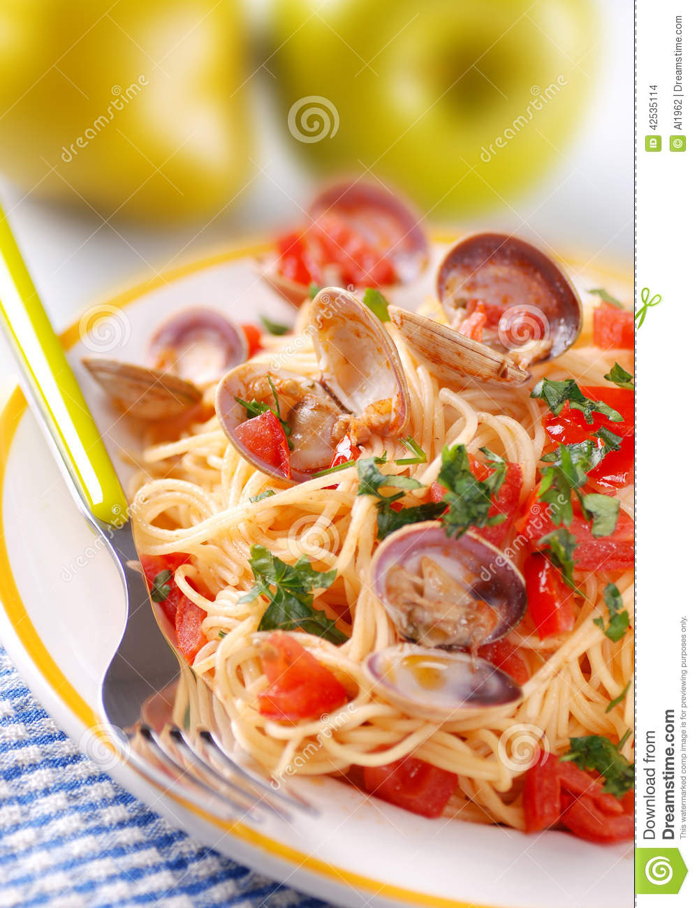 Download Spaghetti with clams stock photo. Image of pepper, prepared - 42535114
